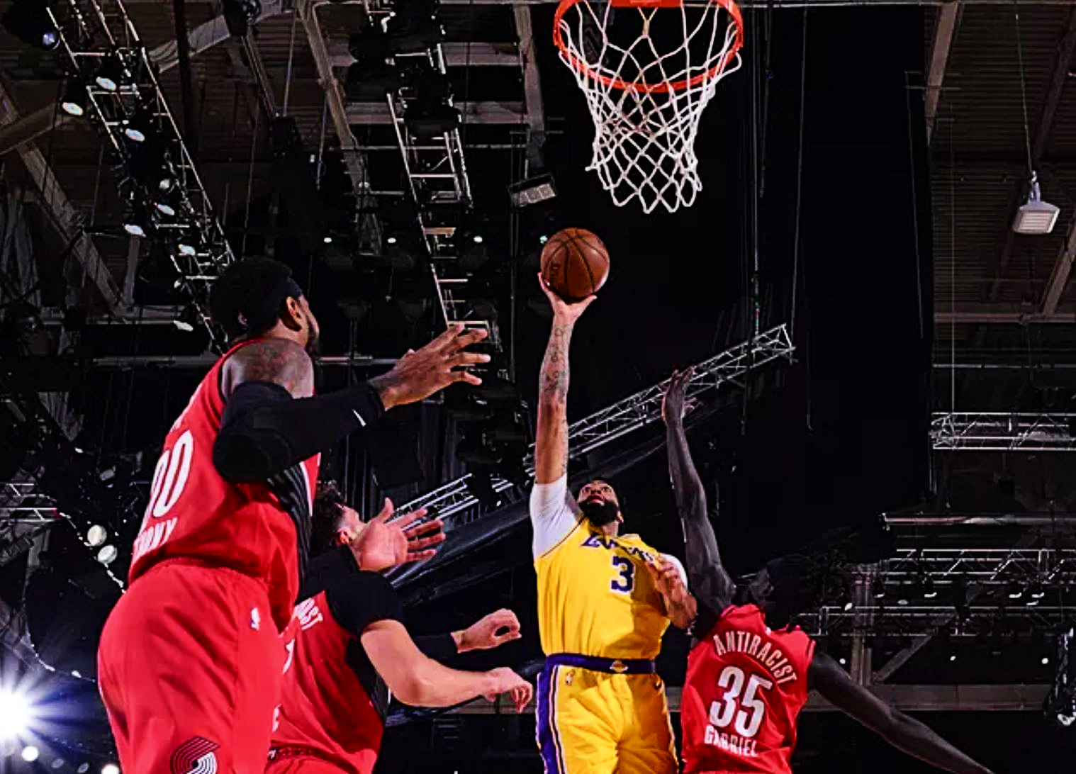 How Lakers Rediscovered Their Mojo And What It Changes for The Playoffs!